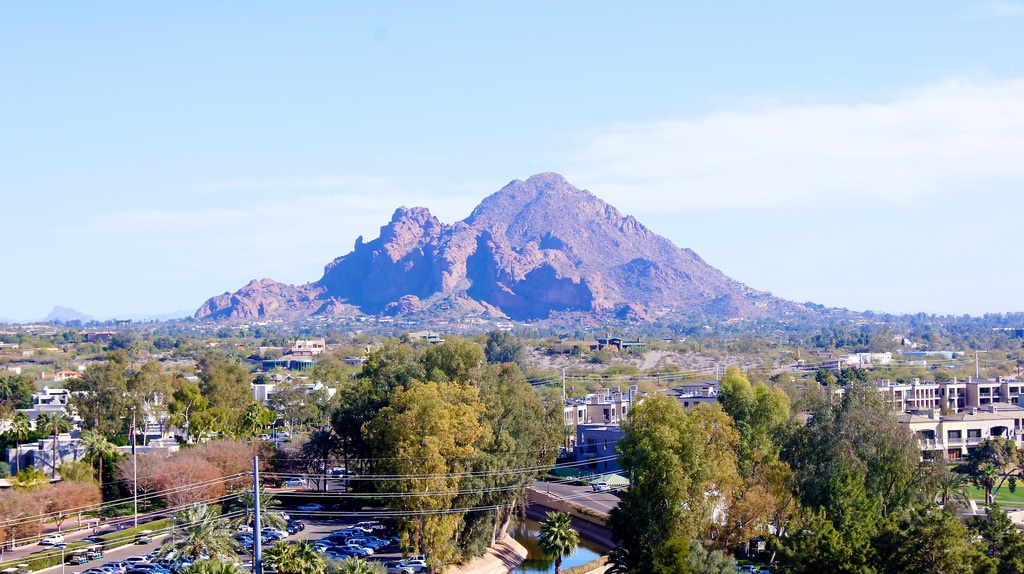 Winter hiking trails around Phoenix - view of city with mountain in distance