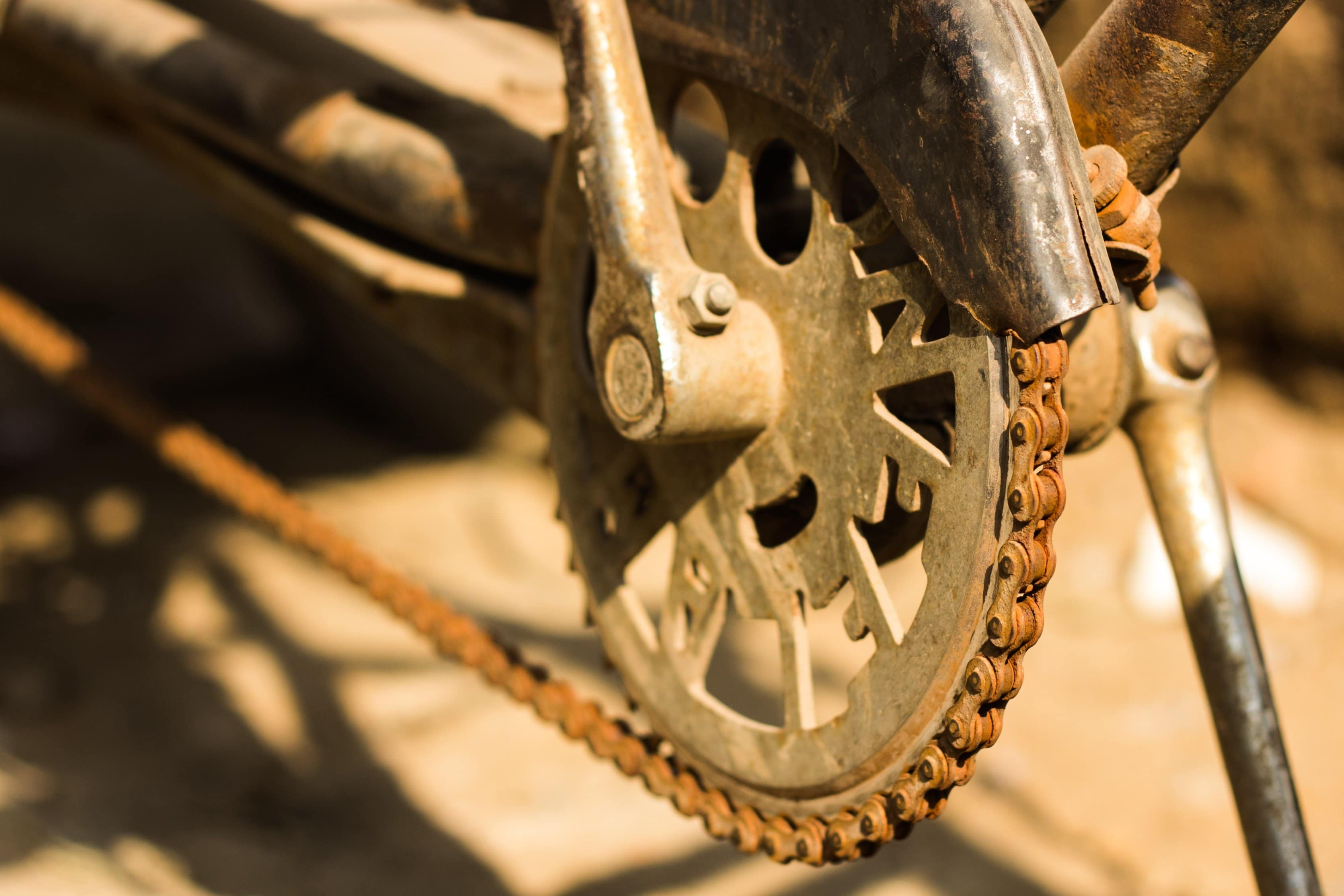 6 tips for DIY bicycle maintenance - close up of rusted chain of a bicycle